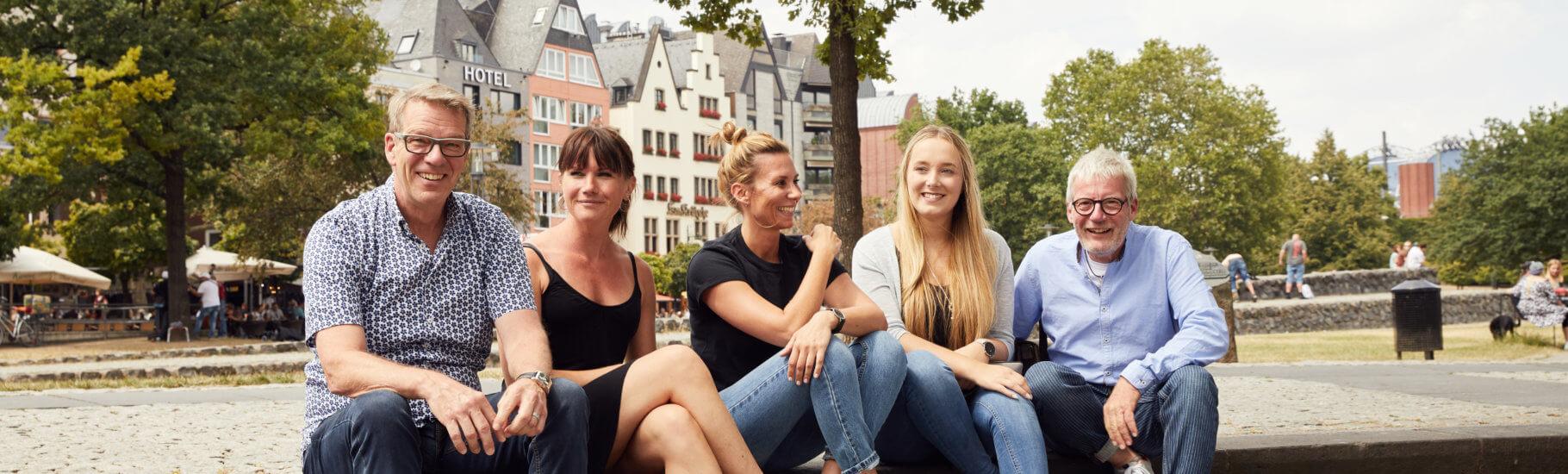 Das-Mplus-Akademie-Team-in-Köln